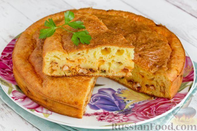 Фото к рецепту: Заливной пирог с курицей и кукурузой в томатном соусе (на кефире)