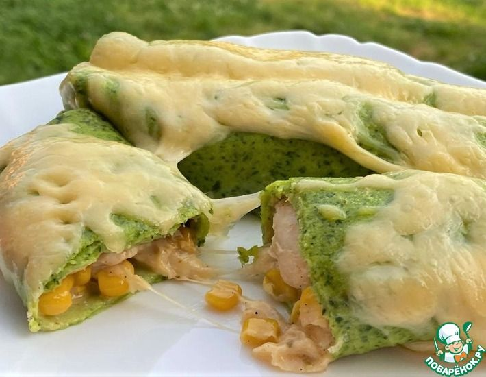 Рецепт: Шпинатные блины с курицей и кукурузой