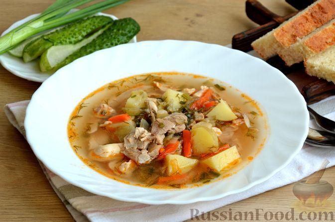 Фото к рецепту: Куриный суп с малосольными огурцами