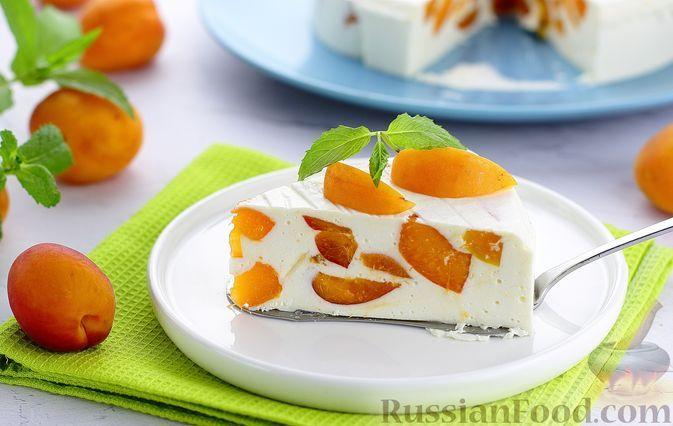 Фото к рецепту: Желейный творожно-кефирный торт с абрикосами