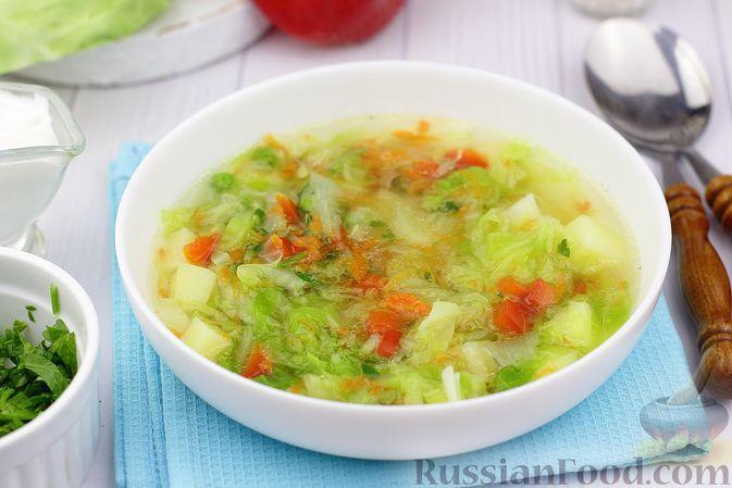 Фото к рецепту: Куриный суп с капустой, сладким перцем и зелёным горошком