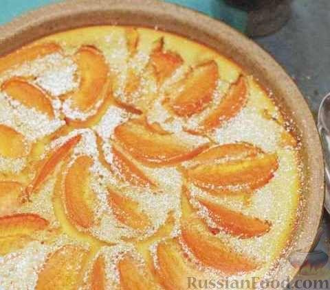 Фото к рецепту: Клафути (пирог) с абрикосами