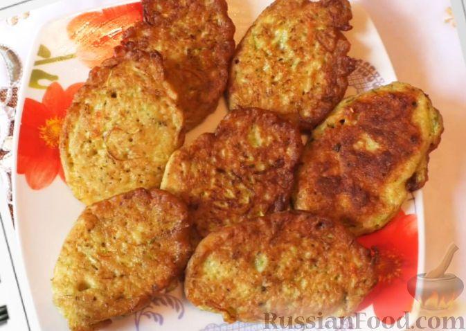 Фото к рецепту: Оладьи из кабачков и геркулеса