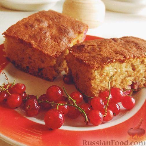 Фото к рецепту: Манник с красной смородиной