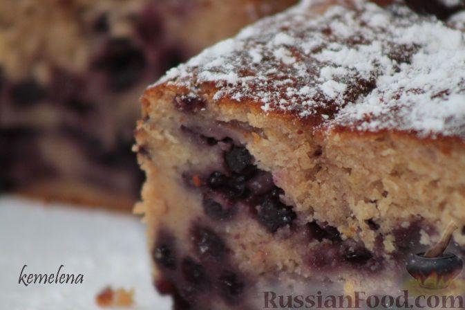 Фото к рецепту: Чернично-йогуртовый кекс