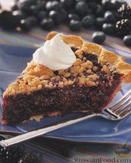 Фото к рецепту: Пирог из песочного теста с ягодами