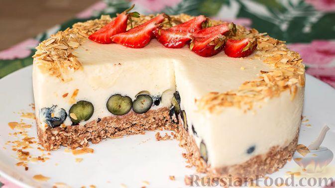Фото к рецепту: Йогуртовый торт без выпечки