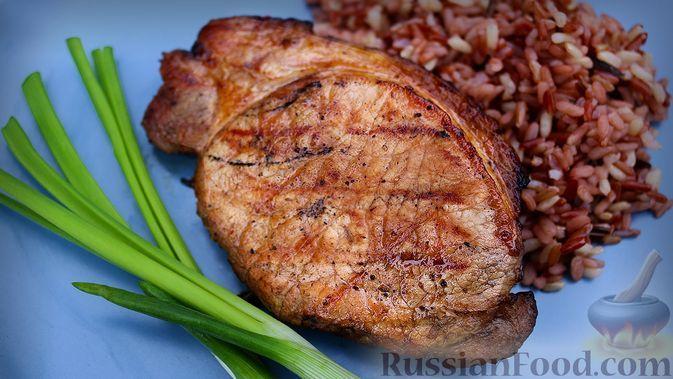 Фото к рецепту: Стейк из свинины на гриле