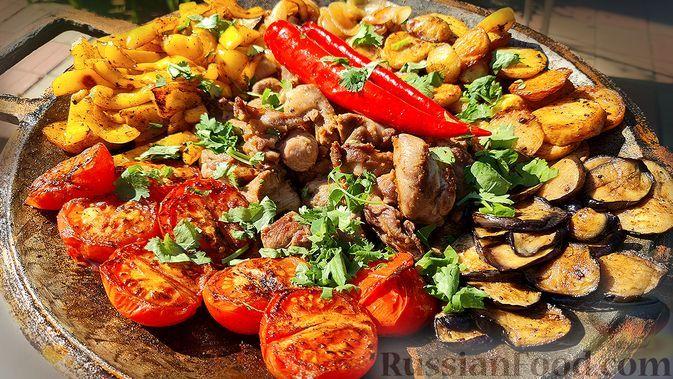 Фото к рецепту: Садж из баранины с овощами
