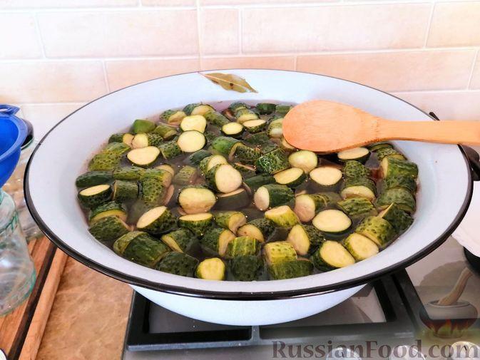 Фото к рецепту: Огурчики по-фински (заготовка на зиму)
