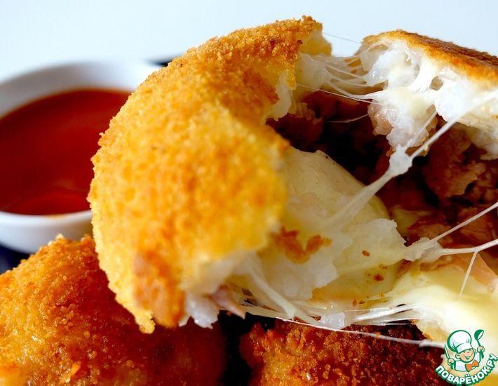 Рецепт: Рисовые шарики с сыром и фаршем