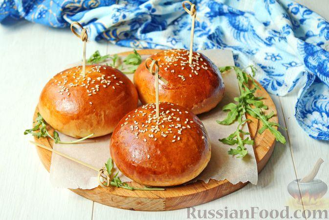 Фото к рецепту: Булочки-чизбургеры (с начинкой из фарша, помидоров и солёных огурцов)