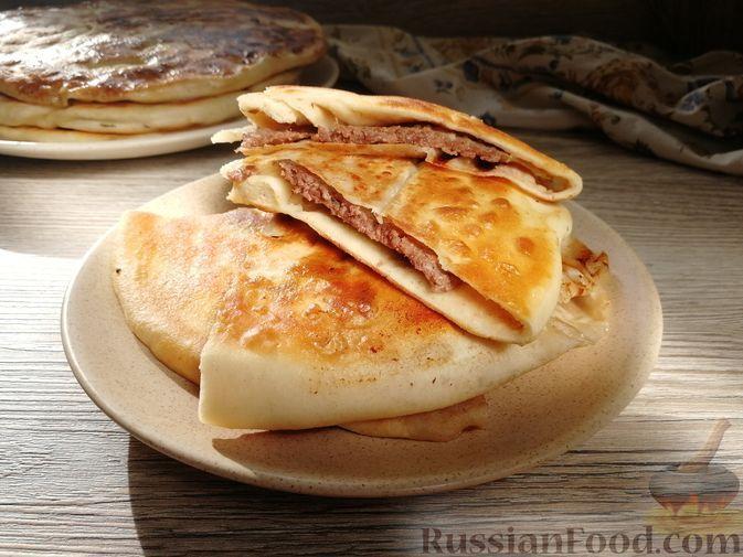 Фото к рецепту: Хычины с мясом (на сухой сковорде)