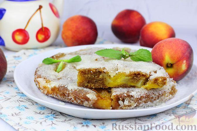 Фото к рецепту: Чайный персиковый пирог с сахарной корочкой