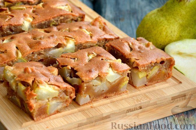 Фото к рецепту: Медовый пирог с грушами и корицей