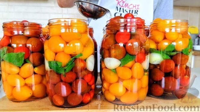 Фото к рецепту: Медовые помидоры на зиму (без уксуса)