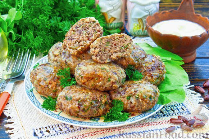 Фото к рецепту: Мясные котлеты с фасолью