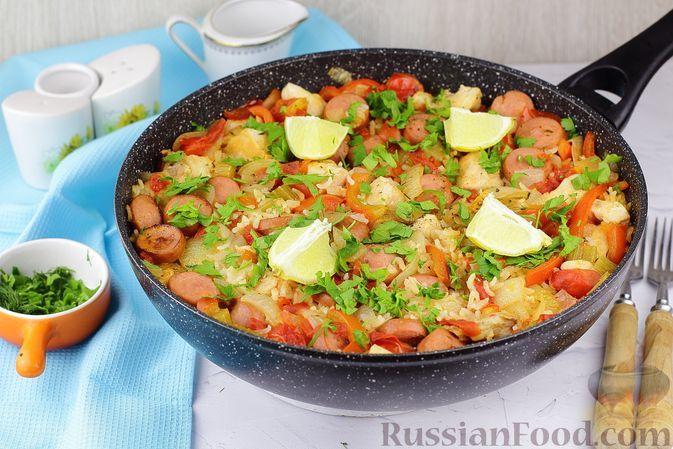 Фото к рецепту: Джамбалайя с куриным филе и копчёными сосисками