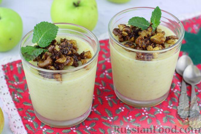 Фото к рецепту: Яблочный крем-мусс с грецкими орехами