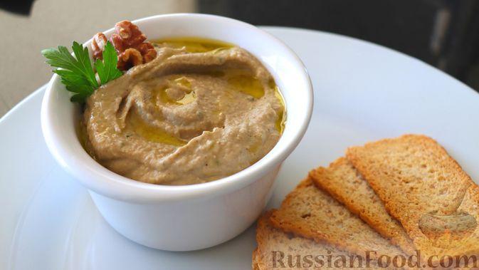 Фото к рецепту: Закуска из баклажанов с орехами и сливочным сыром
