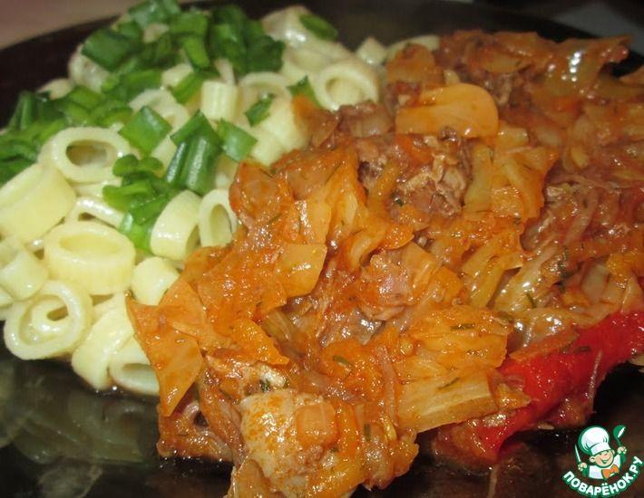Рецепт: Тушеная капуста с говяжьей тушенкой