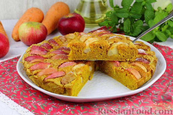 Фото к рецепту: Морковный пирог с яблоками