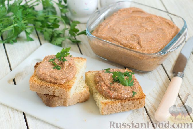 Фото к рецепту: Паштет из баклажанов, сладкого перца и творога