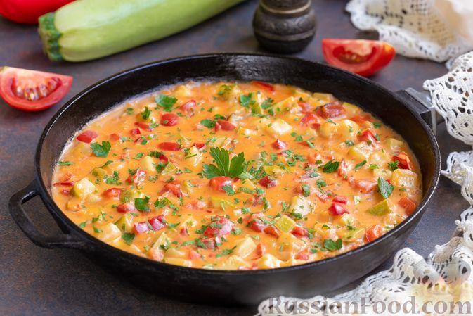 Фото к рецепту: Овощной паприкаш из кабачков с помидорами