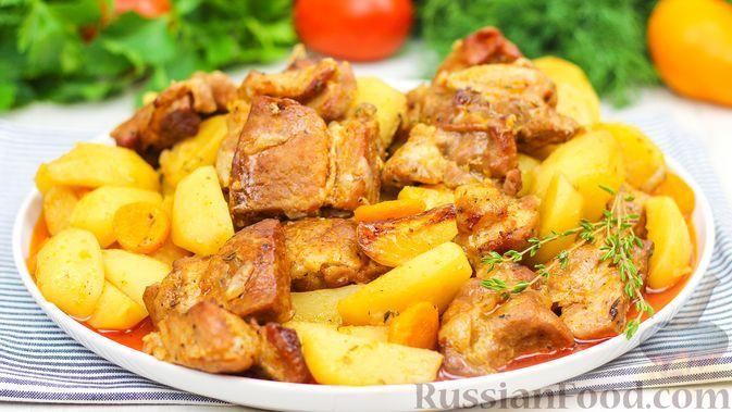 Фото к рецепту: Мясо с картошкой в рукаве (в духовке)