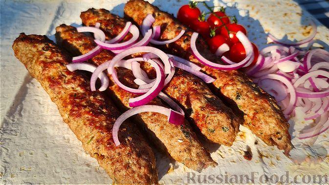 Фото к рецепту: Люля-кебаб из баранины на мангале