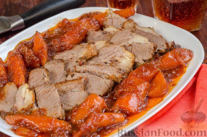 Фото к рецепту: Говяжья грудинка, томлённая с помидорами и морковью (в духовке)