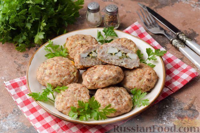 Фото к рецепту: Гречаники с начинкой из варёных яиц и укропа