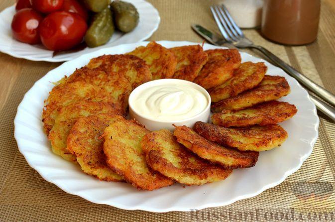 Фото к рецепту: Картофельные драники с чесноком (без яиц и муки)