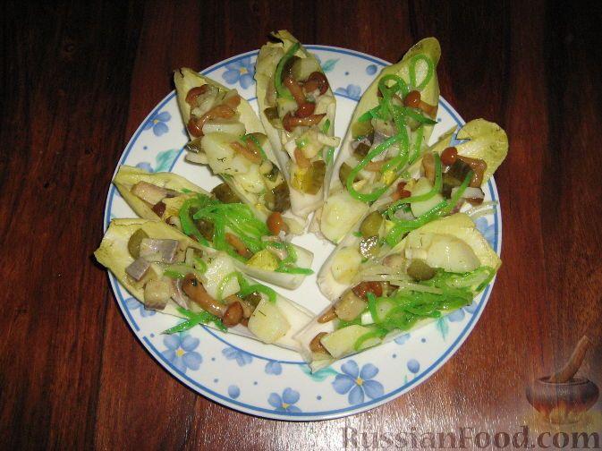 """Фото к рецепту: Салат """"Зеленые лодочки"""""""