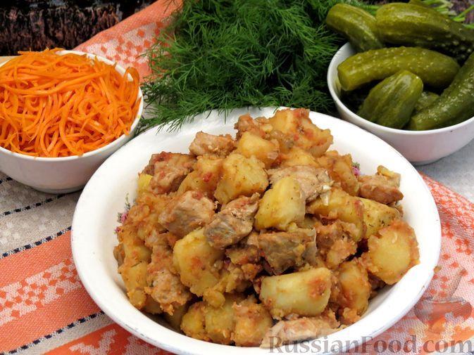 Фото к рецепту: Жаркое по-домашнему из свинины с картошкой (в казане)