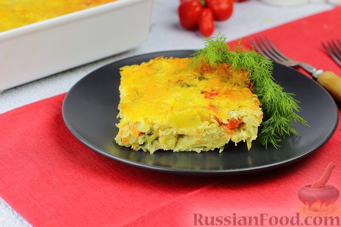 Фото к рецепту: Капустная запеканка с картофелем, сладким перцем и молочно-сметанной заливкой