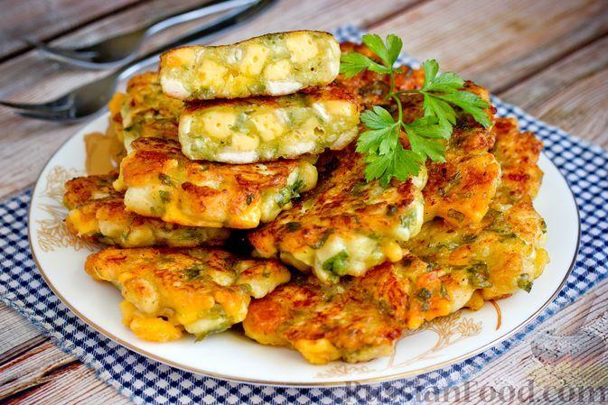 Фото к рецепту: Рубленые куриные котлеты с сыром и кефиром