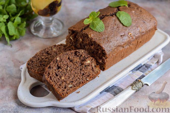 Фото к рецепту: Шоколадный кекс на картофельном пюре, с орехами и корицей