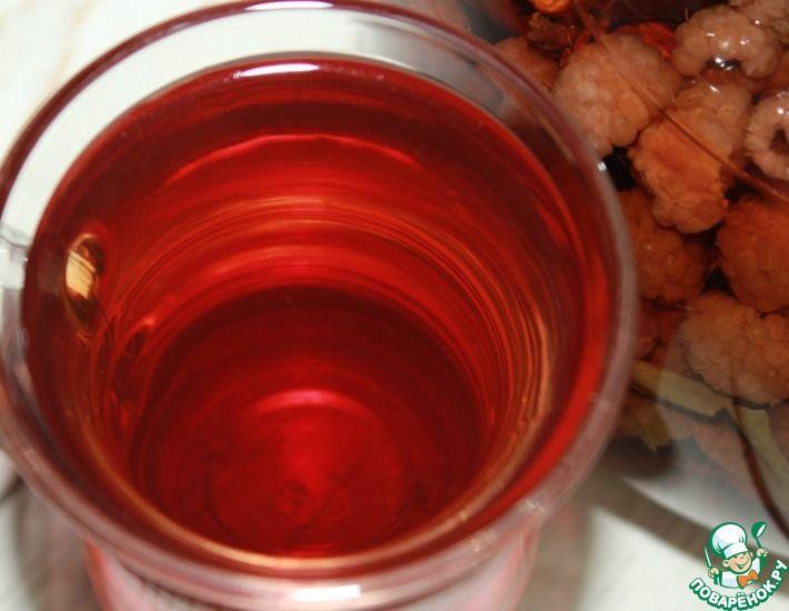 Рецепт: Малиновый чай с листьями и веточками
