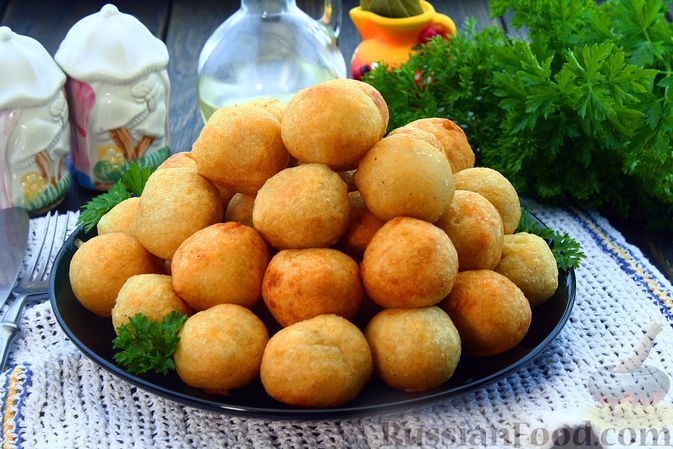 Фото к рецепту: Закусочные пончики из картофеля (без дрожжей)