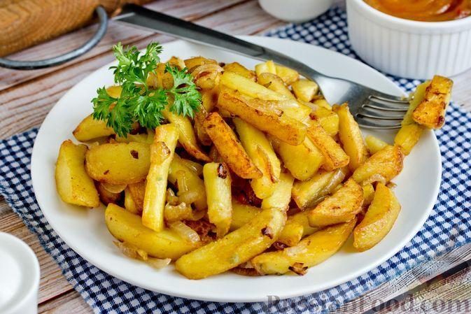 Фото к рецепту: Жареная картошка с луком